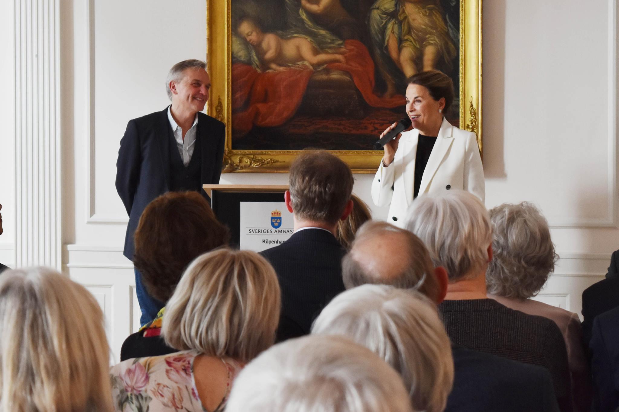 Jens Andersen modtager Dansk-Svensk Kulturfons kulturpris 2017 på Sveriges Ambassade den 11. maj 2017. Foto: Cecilia Leveaux